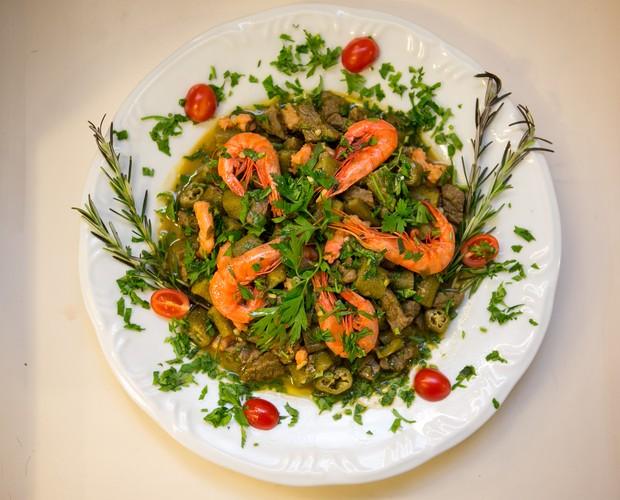 Além do já conhecido quiabo, a receita leva também camarão seco, carne e temperos. Foto: Isabella Pinheiro / Divulgação / TV Globo