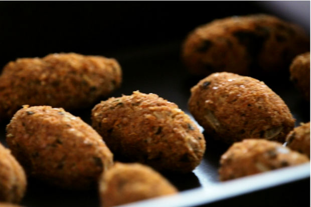 Quibe vegetariano preparado pela Nutricionista e apresentadora do programa Bela Cozinha, Bela Gil.