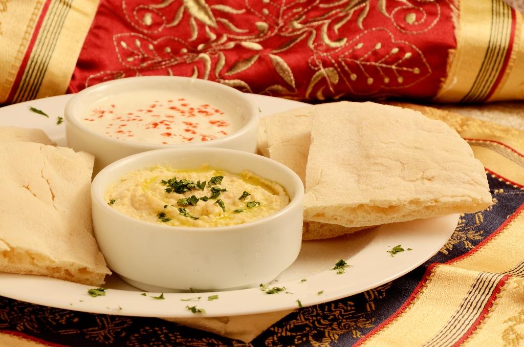 Hommus é pasta a base de grão de bico. Foto: Gastronomia Online.