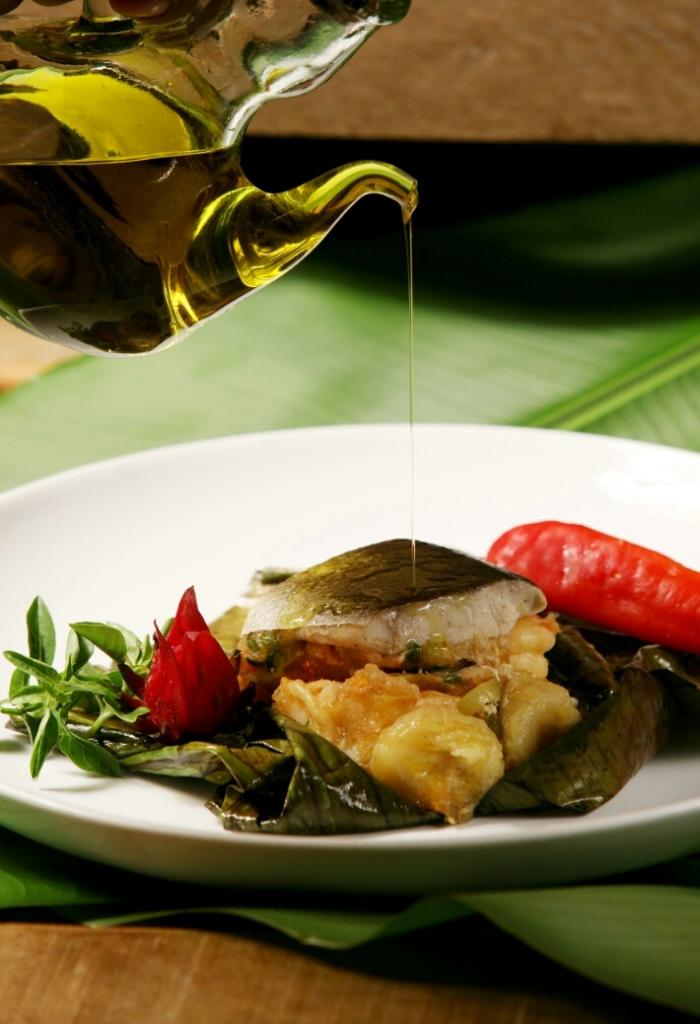 wpid-chef-edinho-engel_papillote-de-pirarucu-com-farofa-de-palmito-jiló-e-pequi-02.jpg