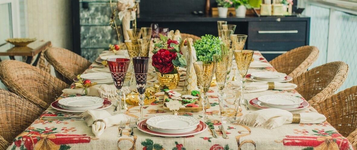 Dicas para arrumar a mesa do almoço natalino