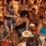 Público tirando foto do prato do chef Don Fabrízio Abatte.
