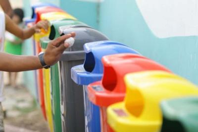 Destinação consciente do lixo: ação promove coleta seletiva em Salvador