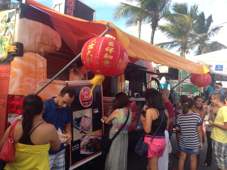 Food trucks agitam Salvador