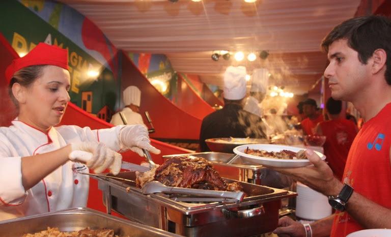 Ilhas gastronômicas camarote Brahma. Foto: Agência F.Pontes.