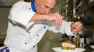 Chef Lucius Gaudenzi. Foto: reprodução Facebook.
