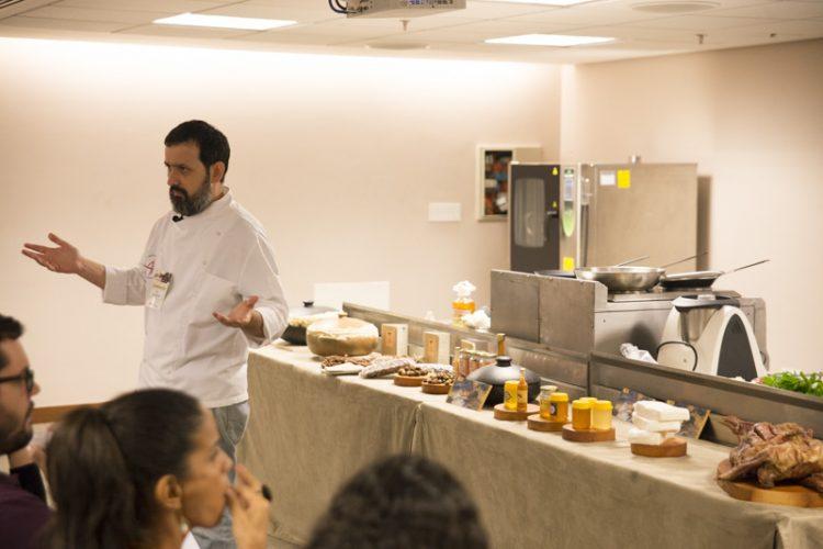 Mesa ao Vivo, aula do chef Caco Marinho. Foto: André Fofano.