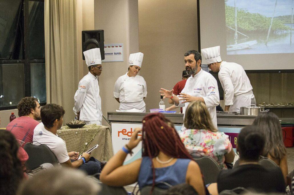 Aula do chef Caco Marinho. Fotos: André Fofano.