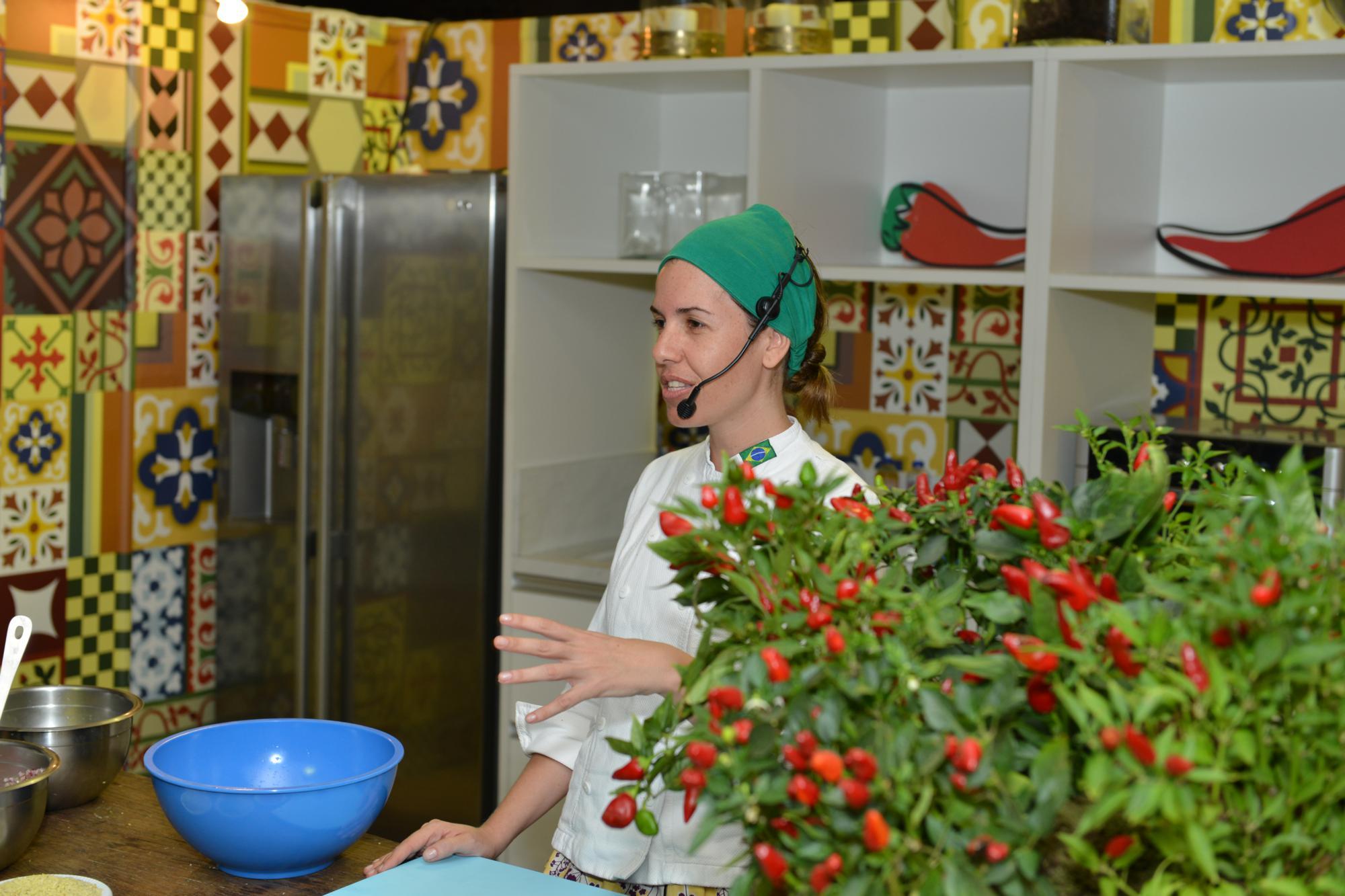 Chef Morena Leite vai apresentar aula show no Festival Tempero no Forte. Foto: Divulgação.